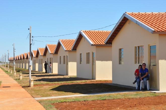 Empresário na Bahia constrói casas por conta própria e doa a famílias que precisam