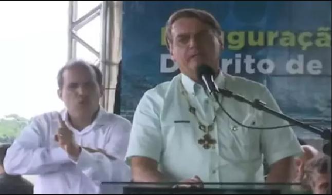 """""""Preferimos morrer lutando do que perecer em casa"""", disse o presidente Bolsonaro durante a inauguração da ponte que liga os estados Acre e Rondônia"""